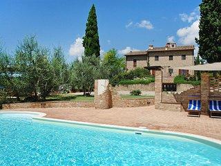 3 bedroom Villa in Scarpeto di Sopra, Tuscany, Italy : ref 5554892