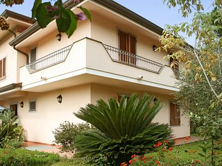 5 bedroom Villa in Forte dei Marmi, Tuscany, Italy : ref 5554616