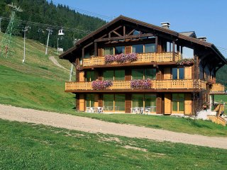 3 bedroom Apartment in Morzine, Auvergne-Rhone-Alpes, France : ref 5554395