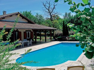 3 bedroom Villa in Parentis-en-Born, Nouvelle-Aquitaine, France : ref 5554380