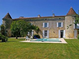 6 bedroom Villa in Villars-en-Pons, Nouvelle-Aquitaine, France : ref 5554378