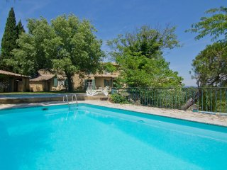 4 bedroom Villa in Serignan-du-Comtat, Provence-Alpes-Cote d'Azur, France : ref