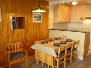 2 bedroom Apartment in Les Boisses, Auvergne-Rhone-Alpes, France : ref 5552424