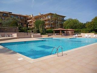 3 bedroom Apartment in Saint-Tropez, Provence-Alpes-Côte d'Azur, France : ref 55