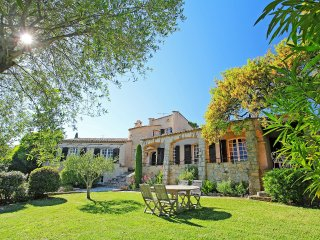4 bedroom Villa in Saint-Raphaël, Provence-Alpes-Côte d'Azur, France : ref 55524