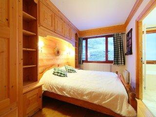 2 bedroom Apartment in Les Boisses, Auvergne-Rhône-Alpes, France : ref 5552321