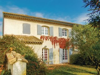 7 bedroom Villa in Caderousse, Provence-Alpes-Cote d'Azur, France : ref 5552152