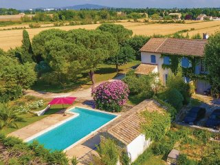 7 bedroom Villa in Caderousse, Provence-Alpes-Côte d'Azur, France : ref 5552152