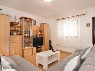 4 bedroom Villa in Hramina, Šibensko-Kninska Županija, Croatia : ref 5552087