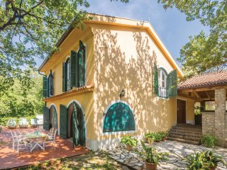 3 bedroom Villa in Njivice, Primorsko-Goranska Županija, Croatia : ref 5551963