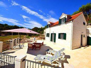 3 bedroom Villa in Povlja, Splitsko-Dalmatinska Zupanija, Croatia : ref 5551937