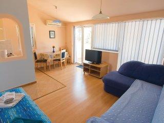 2 bedroom Villa in Rab, Primorsko-Goranska Županija, Croatia : ref 5551793