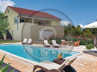 3 bedroom Villa in Cvrljevo, Sibensko-Kninska Zupanija, Croatia : ref 5551785
