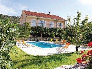 4 bedroom Villa in Slivno, Sibensko-Kninska Zupanija, Croatia : ref 5551676