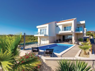4 bedroom Villa in Novalja, Licko-Senjska Zupanija, Croatia - 5551649