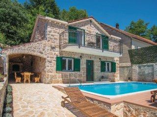3 bedroom Villa in Šumet, Splitsko-Dalmatinska Županija, Croatia : ref 5551643