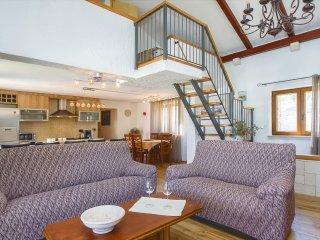 3 bedroom Villa in Supetar, Splitsko-Dalmatinska Zupanija, Croatia : ref 5551495
