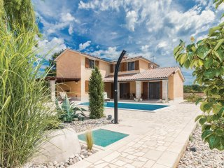 4 bedroom Villa in Stokovci, Istria, Croatia : ref 5551400