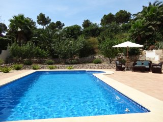 Luxury villa, Moraira, private pool, sleeps 6, air con, wifi, enclosed garden.