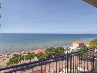 4 bedroom Apartment in Follonica, Tuscany, Italy : ref 5551169