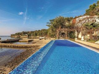 8 bedroom Villa in Kampor, Primorsko-Goranska Zupanija, Croatia : ref 5551255