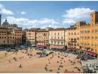 3 bedroom Apartment in Siena, Tuscany, Italy : ref 5551168