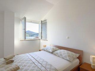 4 bedroom Villa in Sutomišćica, Zadarska Županija, Croatia : ref 5550995