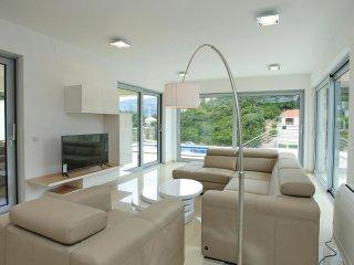 4 bedroom Villa in Zrnovska Banja, Dubrovacko-Neretvanska Zupanija, Croatia : re