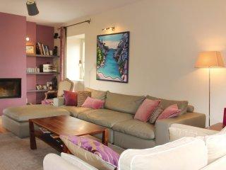 6 bedroom Villa in Saint-Restitut, Auvergne-Rhône-Alpes, France : ref 5550815