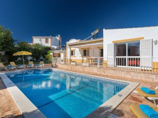 3 bedroom Villa in Guia, Faro, Portugal : ref 5550471