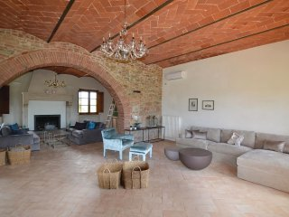 7 bedroom Villa in Via del Filo, Tuscany, Italy : ref 5550359