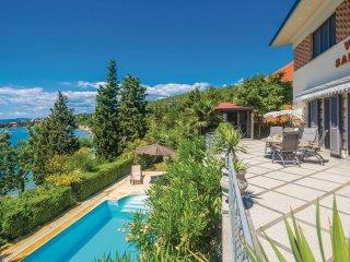 4 bedroom Villa in Omišalj, Primorsko-Goranska Županija, Croatia : ref 5550136