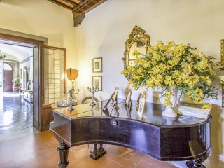 11 bedroom Villa in Cevoli, Tuscany, Italy : ref 5549689