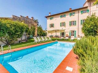 16 bedroom Villa in Cevoli, Tuscany, Italy : ref 5549729