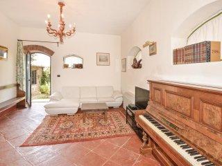 6 bedroom Villa in San Donato Fronzano, Tuscany, Italy : ref 5549640