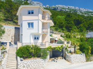 4 bedroom Villa in Fistaniči, Splitsko-Dalmatinska Županija, Croatia : ref 55495