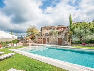 4 bedroom Villa in Castellinuzza, Tuscany, Italy : ref 5549505