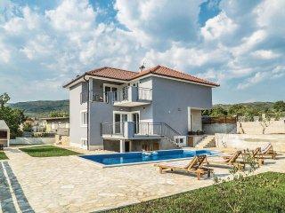 4 bedroom Villa in Perisici, Splitsko-Dalmatinska Zupanija, Croatia : ref 554922