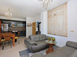 2 bedroom Apartment in Sveta Nedelja, Splitsko-Dalmatinska Županija, Croatia