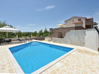 4 bedroom Villa in Zupe, Splitsko-Dalmatinska Zupanija, Croatia : ref 5549199