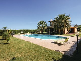 3 bedroom Villa in Torre Colonna-Sperone, Sicily, Italy : ref 5548745