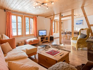 Unique detached Swiss Chalet Bätzenboden in Wengen!