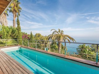 3 bedroom Villa in Lloret de Mar, Catalonia, Spain : ref 5548095