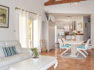 3 bedroom Villa in Lamanon, Provence-Alpes-Cote d'Azur, France : ref 5547852