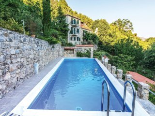 3 bedroom Villa in Kovacevici, Splitsko-Dalmatinska Zupanija, Croatia : ref 5547