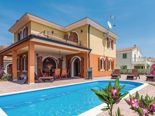 3 bedroom Villa in Vabriga, Istria, Croatia : ref 5547605