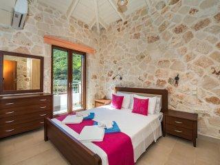 2 bedroom Villa in Koroni, Ionian Islands, Greece : ref 5547554