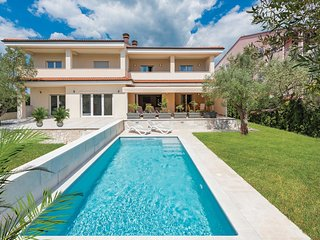3 bedroom Villa in Rovinjsko Selo, Istria, Croatia : ref 5547473