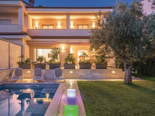 3 bedroom Villa in Rovinjsko Selo, Istria, Croatia : ref 5547473