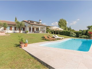 5 bedroom Villa in Bardolino, Veneto, Italy : ref 5547388
